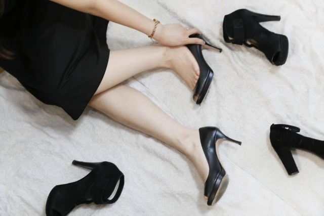 葬式 靴 スエード